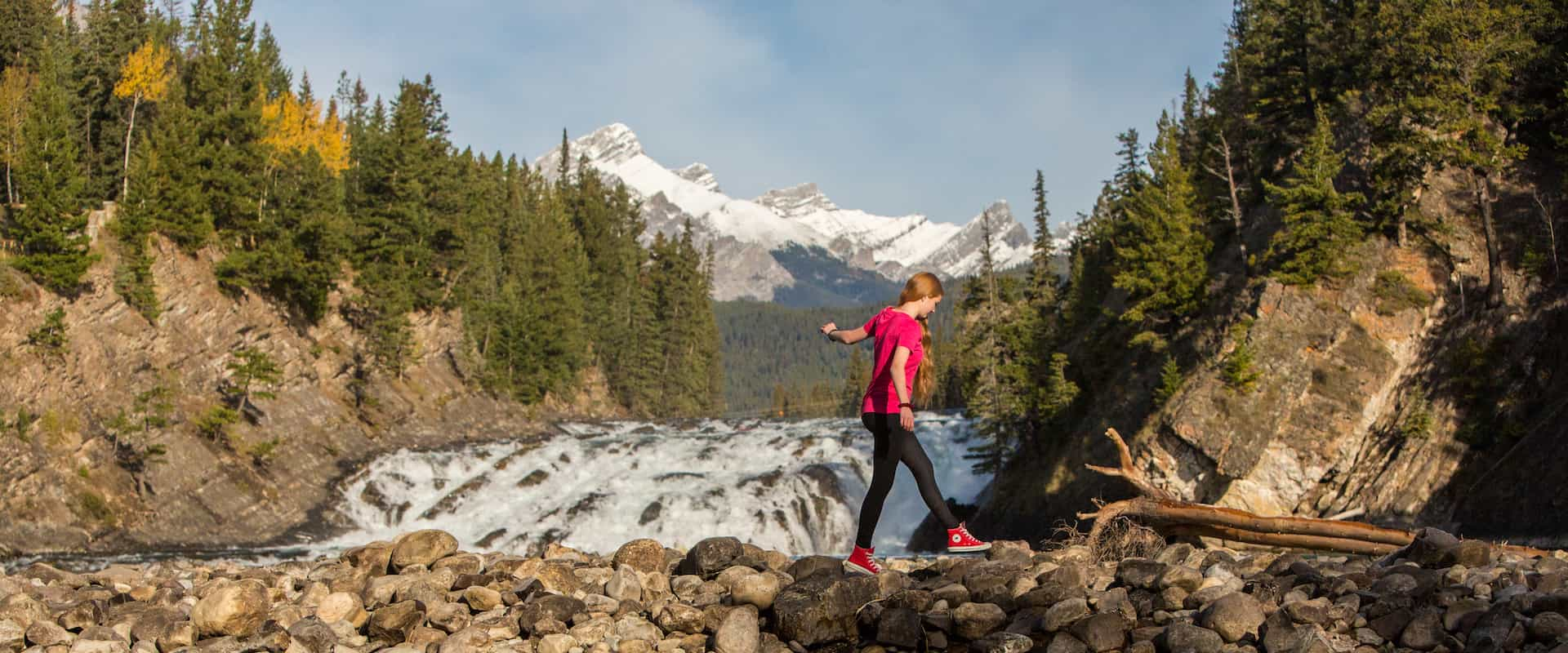 Sightsee Bow Falls in fall with Discover Banff Tours