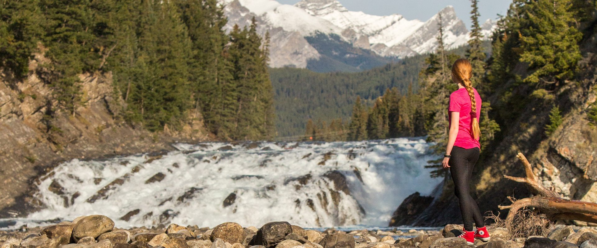 Sightseeing at Bow Falls with Discover Banff Tours