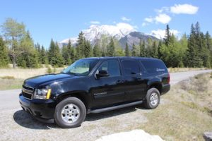 Airport shuttles, transfers and charter services with Discover Banff Tours