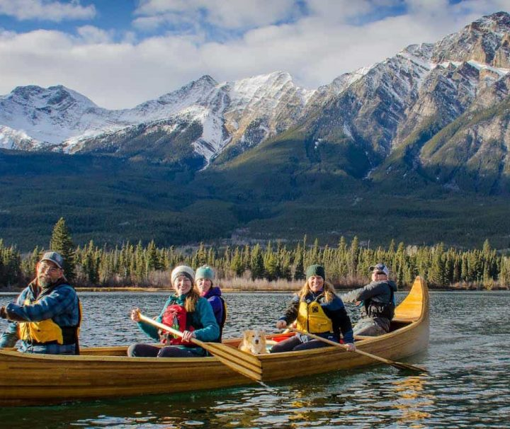 Jasper canoe tour at Pyramid Lake