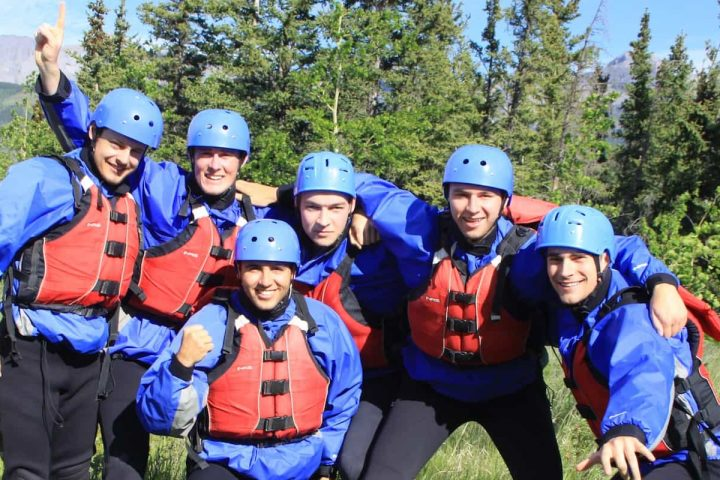 Rafting on the Horseshoe Canyon is perfect for groups in the Canadian Rockies