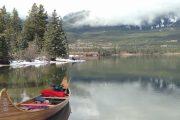 Take a Jasper canoe tour on Pyramid Lake