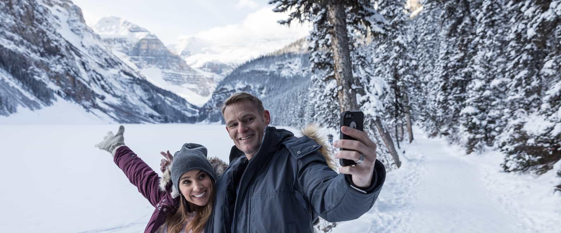 Discover Lake Louise & Snowshoeing